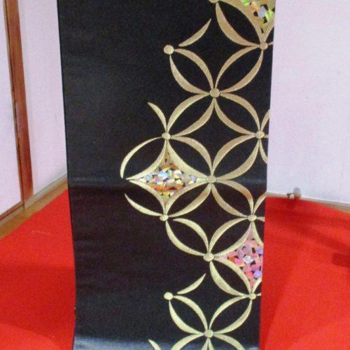 漆箔螺鈿帯